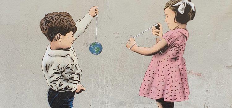 Barn med jojo