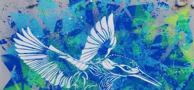 Fugl på blå bakgrunn